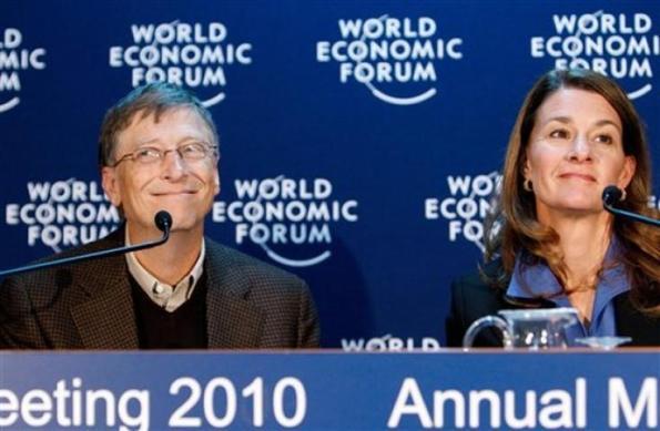 Eugenista Bill Gates y su esposa