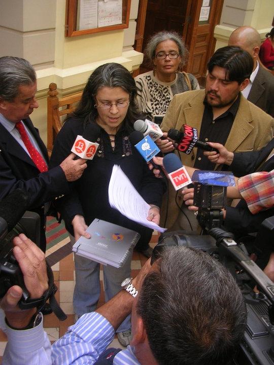 """La vocera de nuestro movimiento """"Detengan La Vacuna"""", entrevistada por la prensa chilena"""